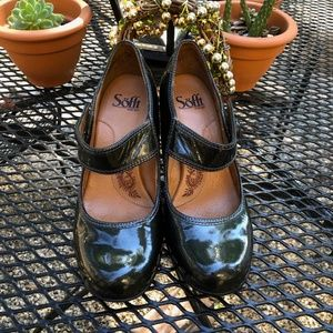 Sofft Emerald Green Patent Leather Mary Jane Pumps